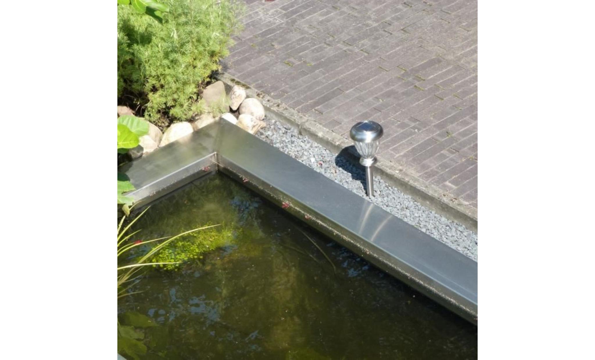 magnifique lampe de jardin solaire hautement lumineuse. Black Bedroom Furniture Sets. Home Design Ideas